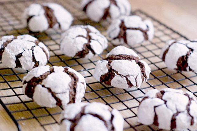 chocolate-snowball-crinkles-recipe