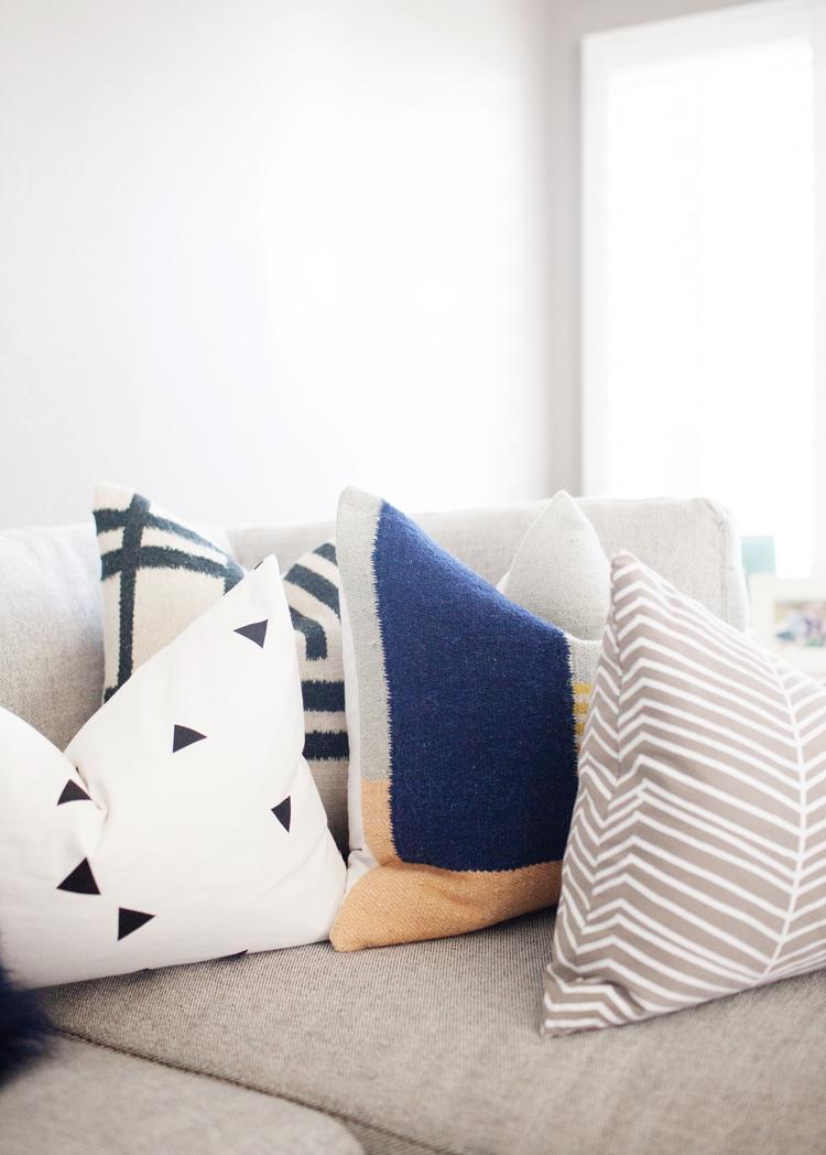 Pillow_Blankets-35.