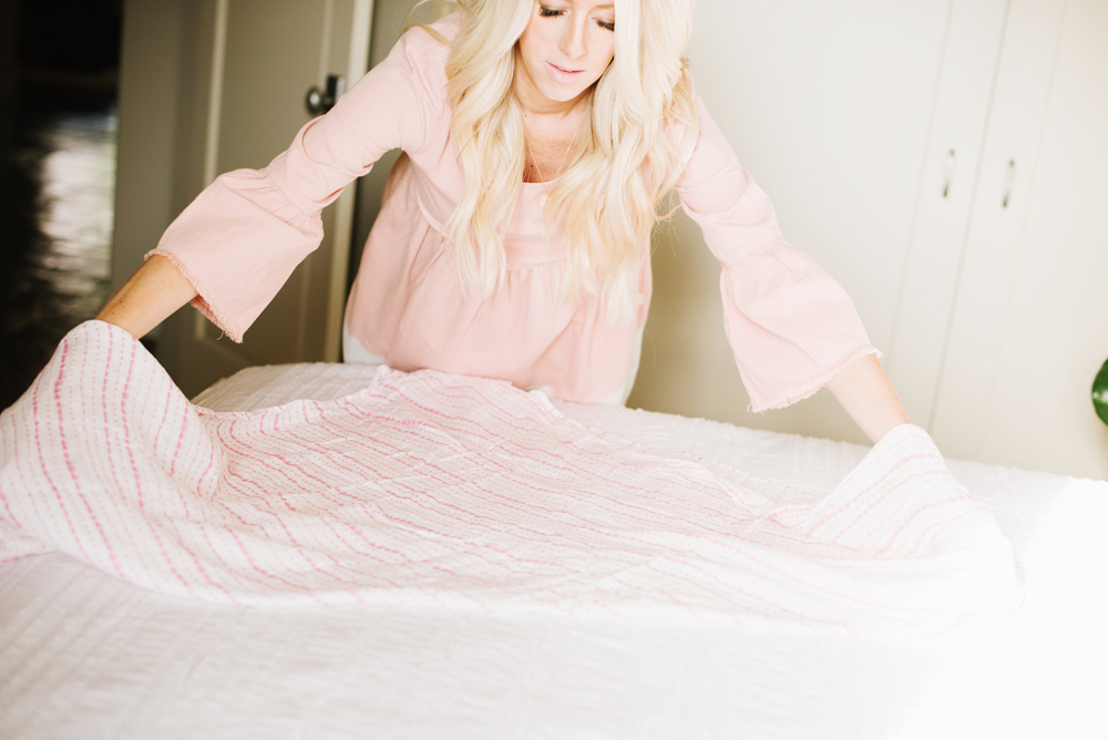 how-to-swaddle-a-baby