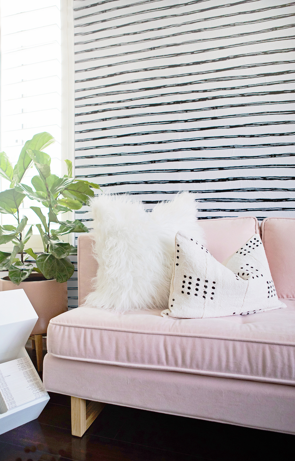 kailee-wright-nursery-pink-couch