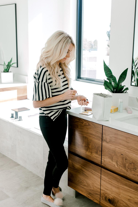 Kailee Wright-Beauty Travel Size(Stripe Shirt)-26