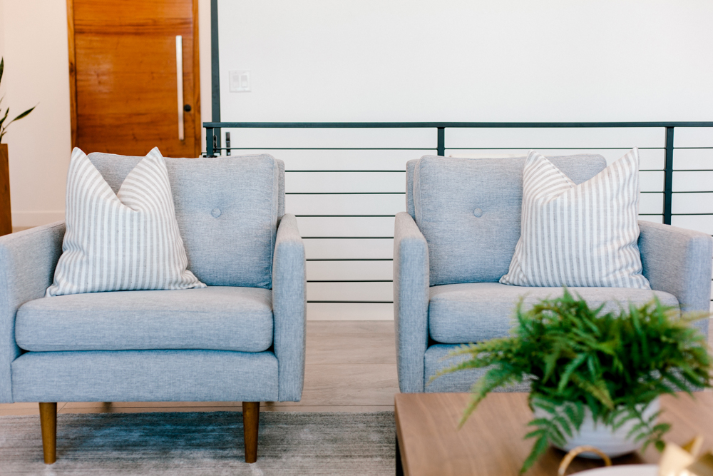 Kailee Wright Family Room article chairs