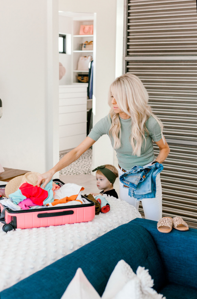 Kailee Wright Packing for Hawaii