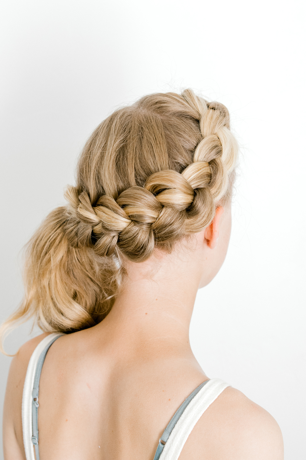 Five minute Hairstyles Dutch Braid Kailee Wright