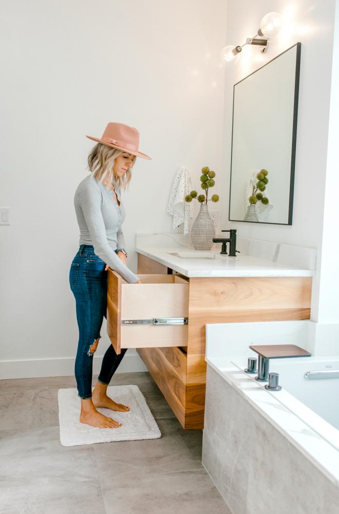 Kailee Wright master bathroom organization